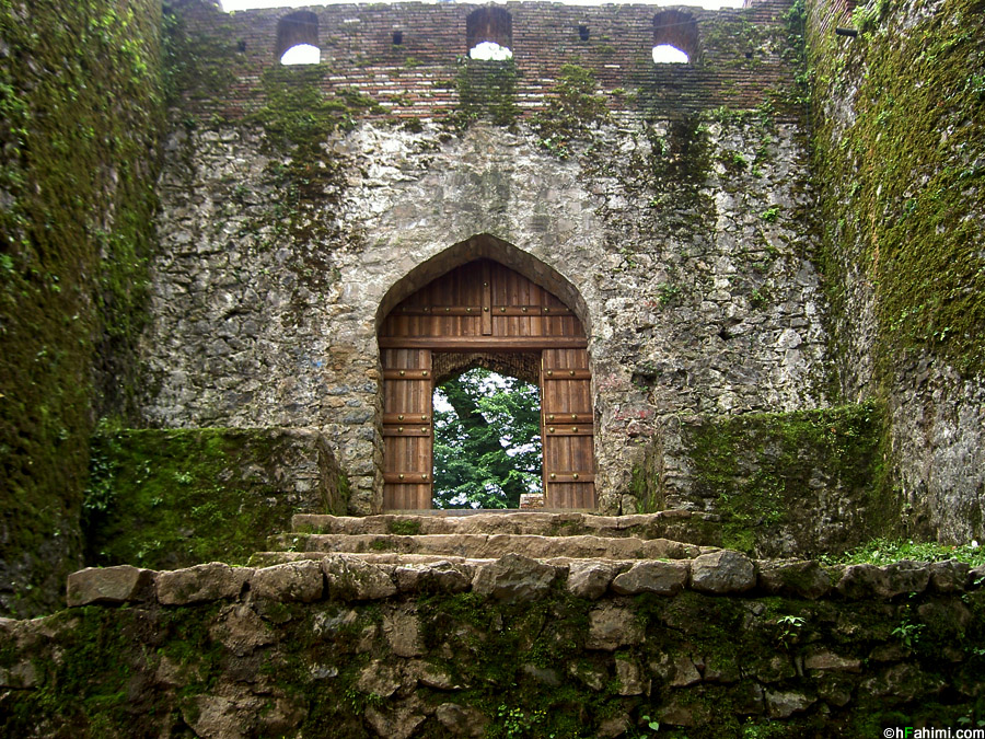 Roodkhan castle II - entrance